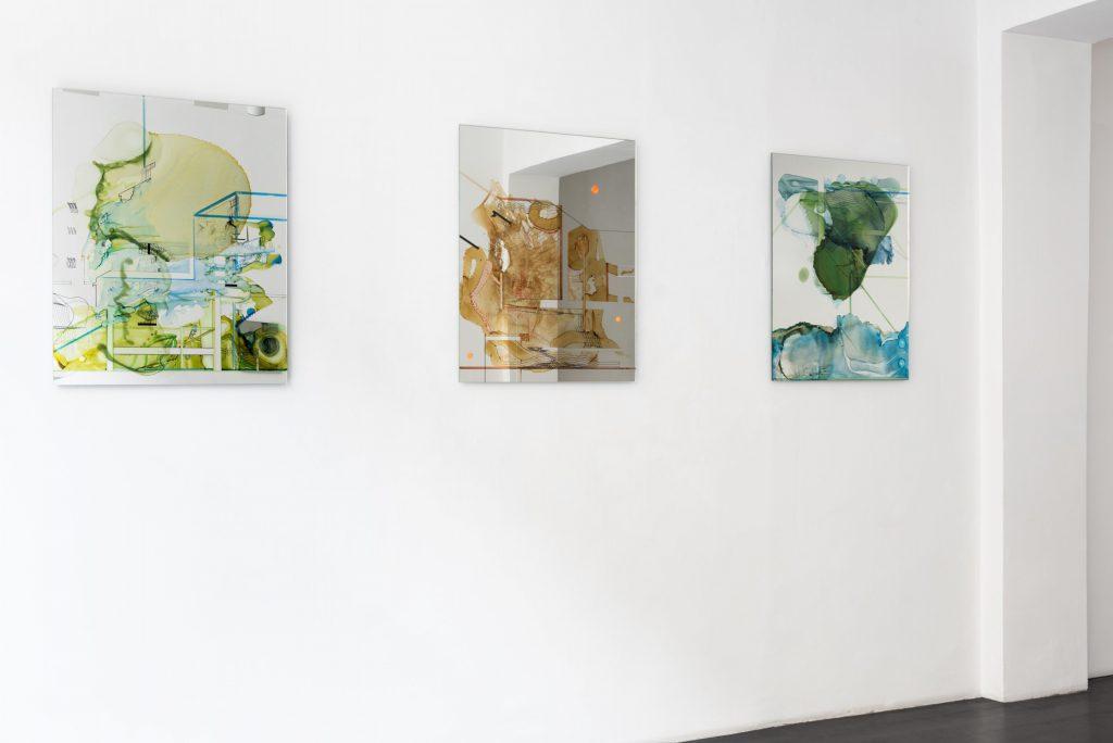 Constantin Luser, Installationsansicht, Spiegel, Aquarell, Gemälde