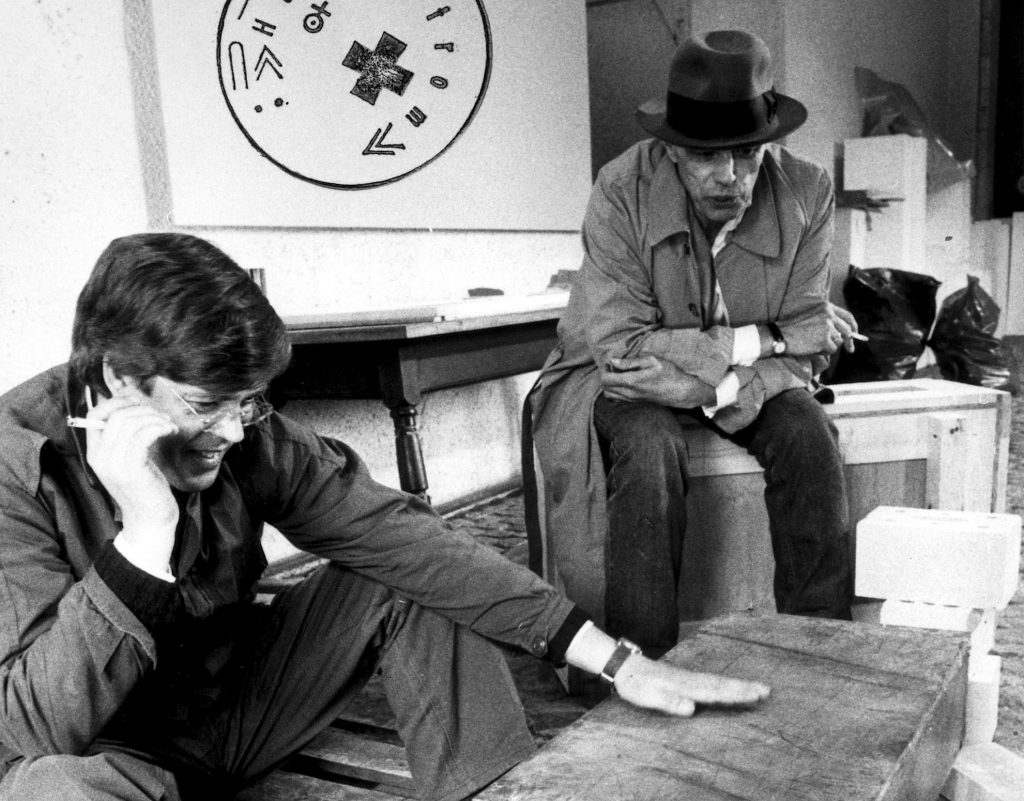 Bernd Klüser & Joseph Beuys, Basel 1984, © Kurt Wyss
